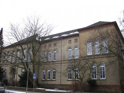 800px-UlrichsgymnasiumNorden1